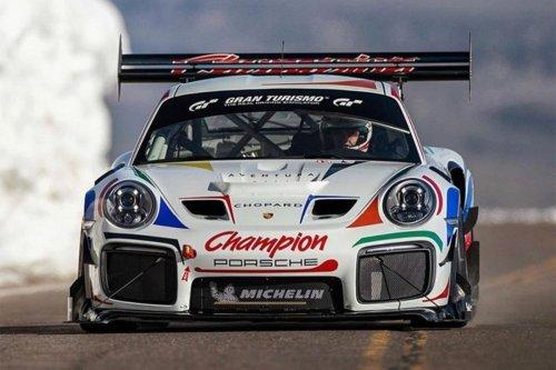 Este Porsche 911 GT2 RS Clubsport modificado va a participar en Pikes Peak