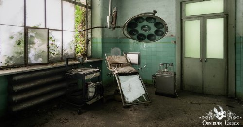 Scientist Photographs Historically-Rich Abandoned and Forgotten Spaces