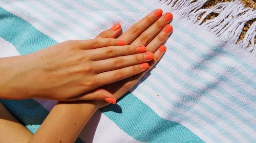 Nagellack 2021: 3 Farben sind im Sommer Trend
