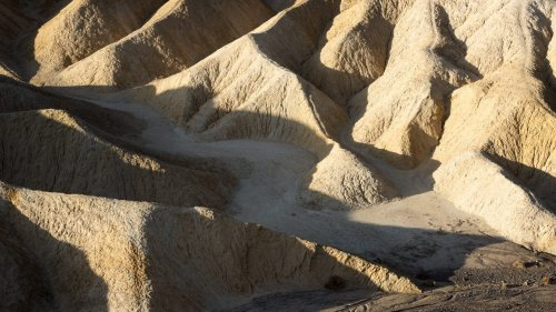 Death Valley in lousy light | Photofocus
