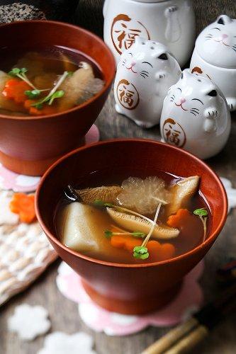 Ozoni – Japanese New Year Mochi Soup お雑煮
