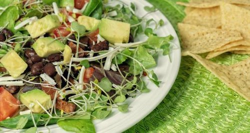 Stuck in a lunch rut? Try these 5 healthy recipes to satisfy the taste buds