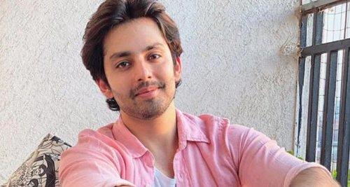 Yaariyan star Himansh Kohli shares a cryptic poem on IG; Says 'Meri tehzeeb ko meri majboori kaha gaya'