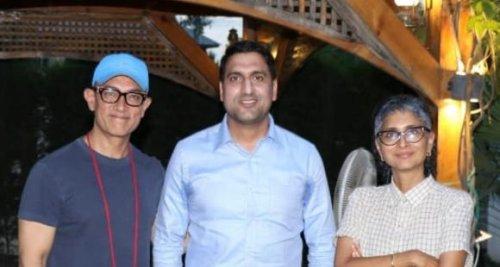 PHOTO: Aamir Khan, Kiran Rao interact with Srinagar Deputy Commissioner amid Laal Singh Chaddha shoot