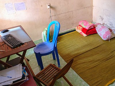 Couchsurfing Experience Stories: 7 Strangest Homes I Stayed in
