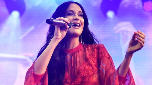 Kacey Musgraves Sells Ted Cruz Diss Shirts for Texas Benefit