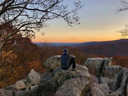 Hiking Catoctin Mountain Park in Maryland