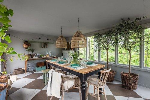 Une petite maison en bois de 63m2 à la décoration scandinave