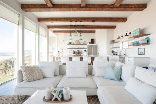 Une maison contemporaine au bord de l'océan