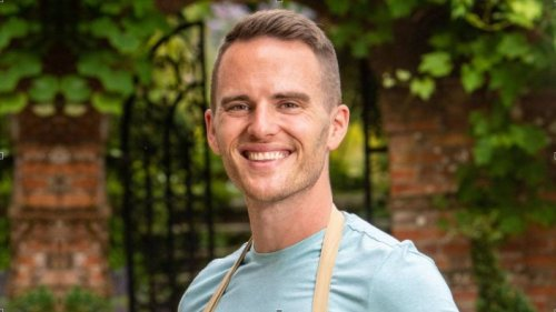 #MeetTheVaccinators: The Bake Off winner who's swapped flour for Pfizer
