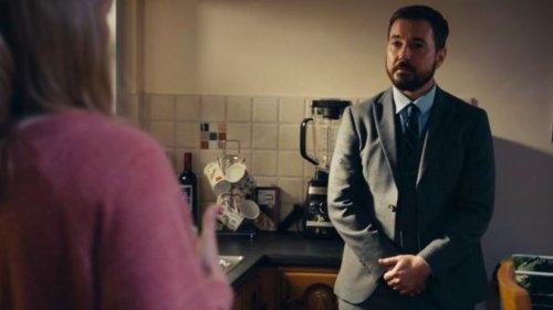 Line of Duty fans spot 'H' clue in John Corbett's kitchen 👀