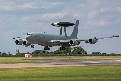 RAF Sentry jet returns home to RAF Waddington for the final time