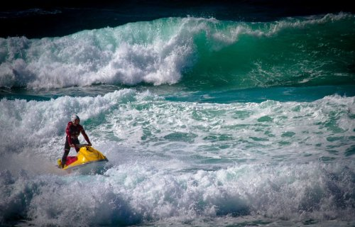 Strong winds and big swell to whip up dangerous waves on south Cornish coast