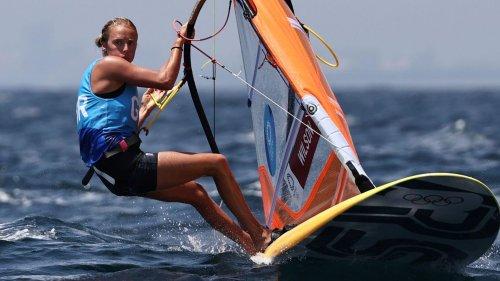 Tokyo 2020: Bronze for Nottingham's Emma Wilson in windsurfing