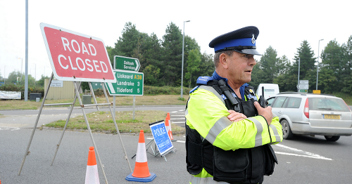 Several casualties and drivers 'abandoning cars' after crash