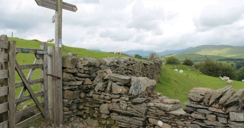 '49,000 miles of public footpaths could be closed to public'