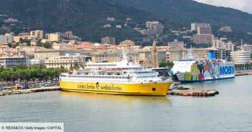 Le trajet galère des passagers d'un ferry entre la Corse et Nice