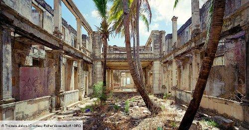 PHOTOS - Vestiges d'empire : les architectures délaissées des anciennes colonies françaises