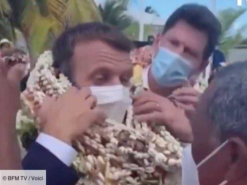 VIDEO Emmanuel Macron enseveli sous les colliers à son arrivée aux Îles Tuamotu : la détresse du président ...