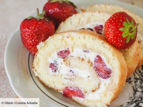 Le biscuit roulé aux fraises de Cyril Lignac - Recettes