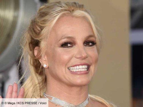 PHOTO Britney Spears : loin de ses problèmes judiciaires, elle pose topless sur Instagram