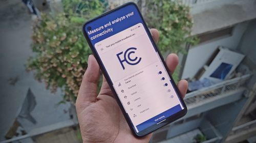 FCC wants to know if your internet sucks, or flies, with its speed test app