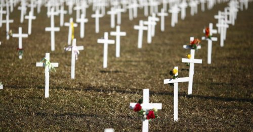 Brasil confirma mais 3.001 mortes e ultrapassa 400 mil vítimas da covid-19