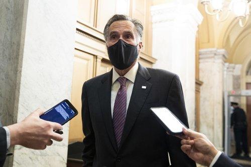 Romney, Murkowski ready questions for Senate impeachment trial teams