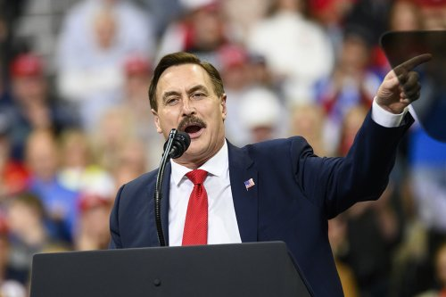 MyPillow's Mike Lindell is turned away from Republican governors event