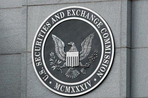 SEC fires Republican audit watchdog after push from Warren, Sanders