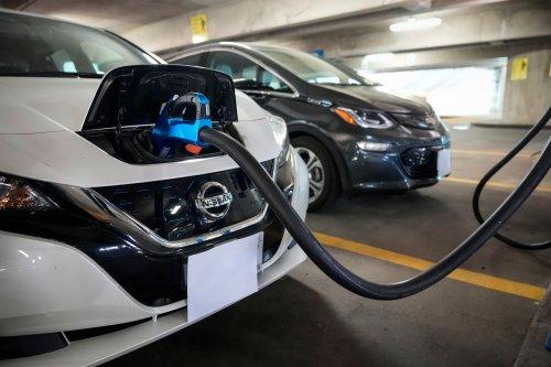 The Major Problems Blocking America's Electric Car Future