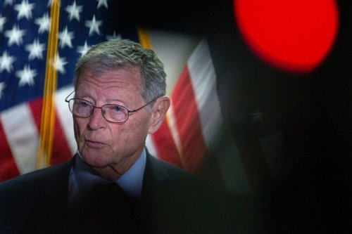 Top senator says Congress shouldn't remove Confederate names from bases