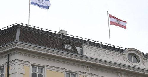 Iran's foreign minister cancels Austria visit over Israeli flag display