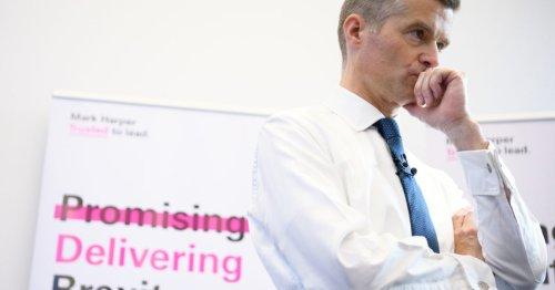 The lockdown skeptics who won over Boris Johnson