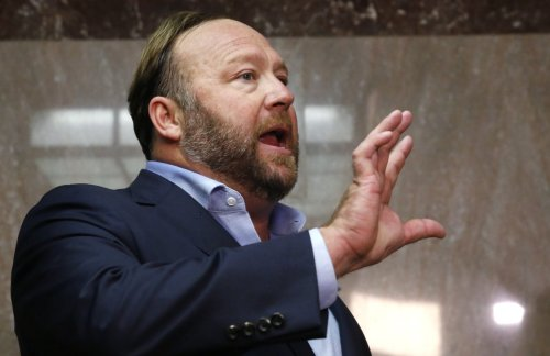Conspiracy Theorist Alex Jones Said He Collaborated With Both Donald Trump and the Secret Service on January 6th