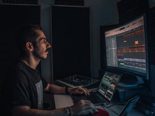 The best DAW for audio engineers on any budget | Popular Science