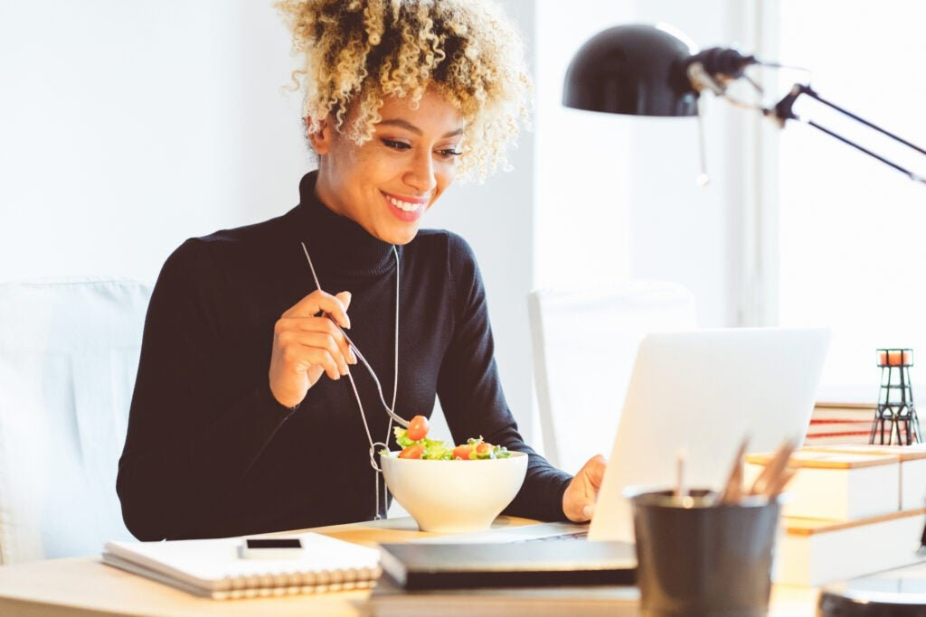 Eight ways that taking a real lunch break can improve your work (and life)