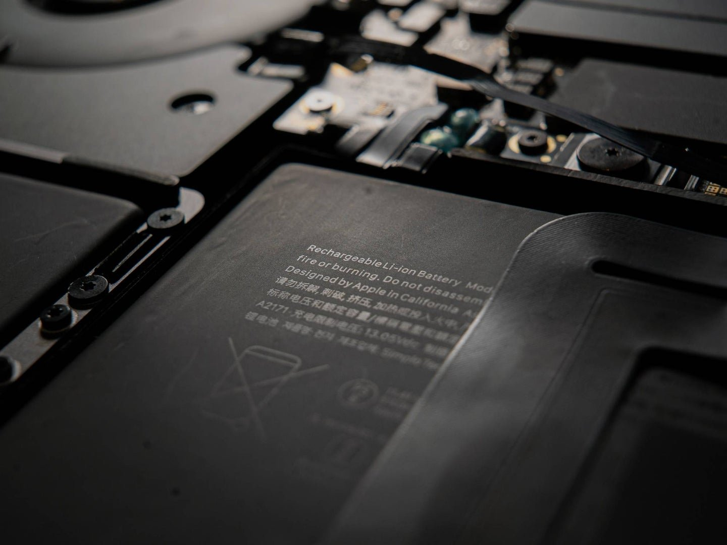 One telltale sign it's time to replace your laptop battery