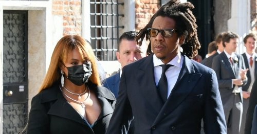 See That Coat Dress? Beyoncé Demonstrates Exactly How to Nail a Fall Wedding Guest Look