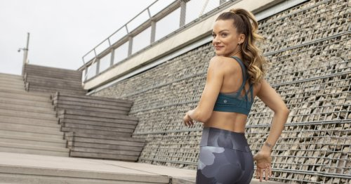 If You're Wondering How Leanne Hainsby Creates Her Mood-Boosting Peloton Playlists — Here's How