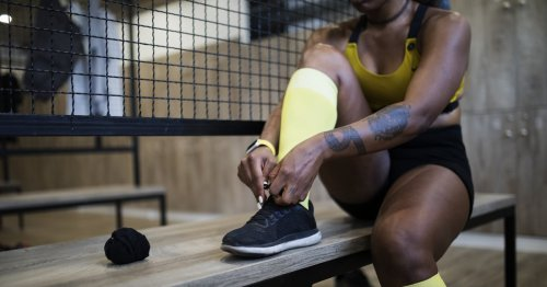 """Take Peloton Instructor Tunde Oyeneyin's Advice, So Your Workout Doesn't """"Loom Over You"""" All Day"""