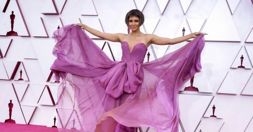 """Halle Berry Said """"Just Kidding"""" About Her Dramatic Microbob Haircut at the Oscars"""