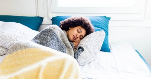 Always Running on 6 Hours of Sleep? Experts Explain Why You Should Aim For More