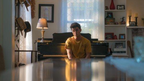 "Spotlight: Sam MacPherson Talks Debut EP, ""Songs For Sam"" - PopWrapped"