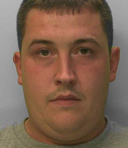 Public urged to call 999 and not approach man wanted back behind bars for breaching licence terms