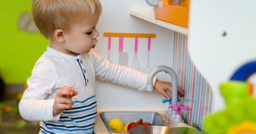 Éducation : pourquoi les pleurs des bébés garçons seraient plus importants que ceux des filles ?