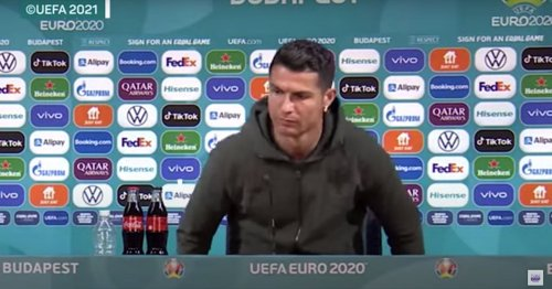 VIDÉO. Devant la presse, Ronaldo remplace ostensiblement deux bouteilles de Coca-Cola par de l'eau