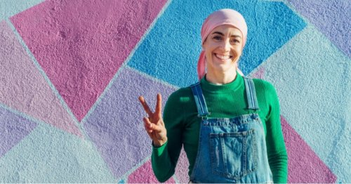 Foulard, perruque, frange : découvrez Miochi, le Vinted des produits pour femmes malades du cancer