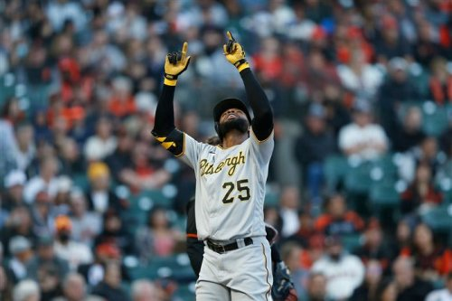 After lopsided win Saturday, Pirates have a chance to sweep MLB-best Giants