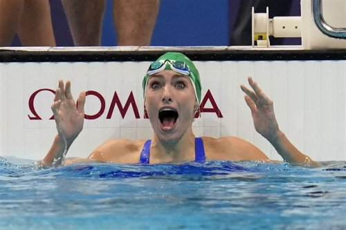 South Africa's Tatjana Schoenmaker sets world swimming record as Aussies, Russians, Chinese outshine Americans